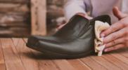 Як гарантовано очистити зимове взуття від солі за допомогою 5 дешевих способів?